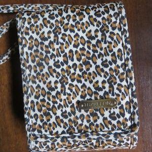 Travelon leopard print crossbody travel bag, nwot